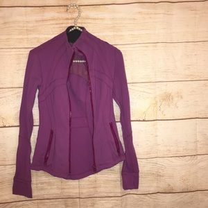 Lululemon women's size 2 magenta jacket